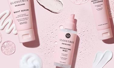 glossybox skincare produkter där formulan och konsistensen visas upp