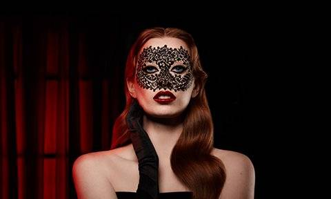 Get the Lace Mask look this halloween
