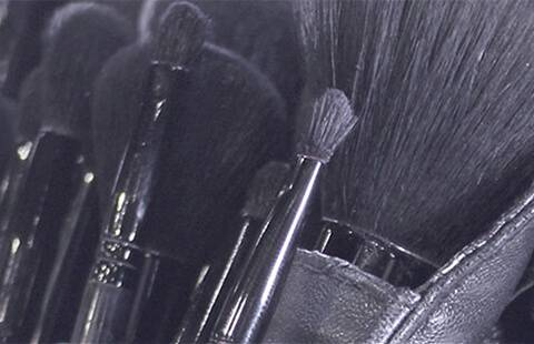 Luxe Quality, Long Lasting, Cruelty Free Makeup Brushes.  Developed in London by our Artists and Tested in Our School of Makeup Art.