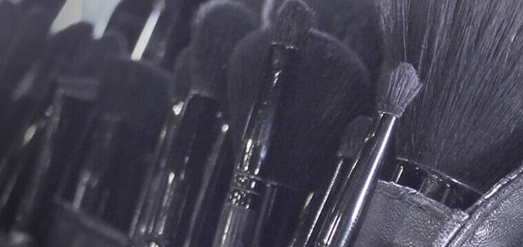 Concealer brush, powder brush, blush brush, all the tools you need to create a flawless base.