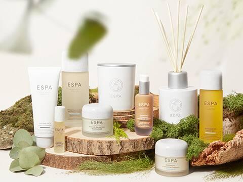 Prodotti per la cura della pelle formulati con gli ingredienti naturali più puri presenti in natura per detergere, nutrire e ringiovanire la pelle in modo efficace, lasciandola meravigliosamente radiosa e detersa.