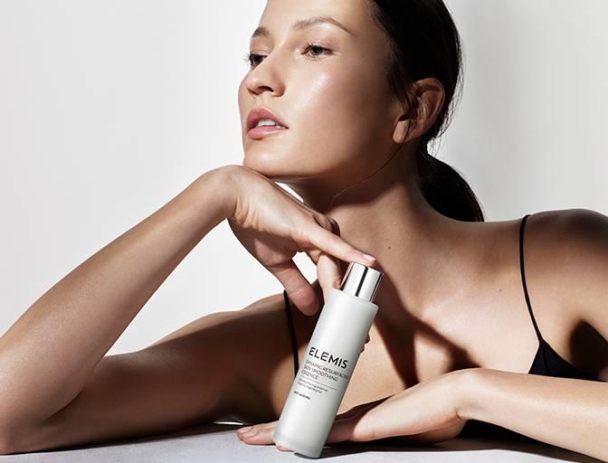 Anwendung Dynamic Resurfacing Skin Smoothing Essence