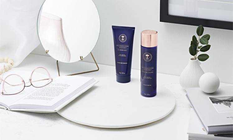 95% agree their skin looks smoother | 87% agree their fine lines and wrinkles are visibly reduced+ | + When using Frankincense Intense™ Hydrating Essence & Frankincense Intense™ Age Defying Serum together. Based on a consumer trial with 60 women after 4 weeks.