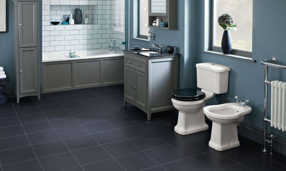 Shop our traditional bathroom furniture suites