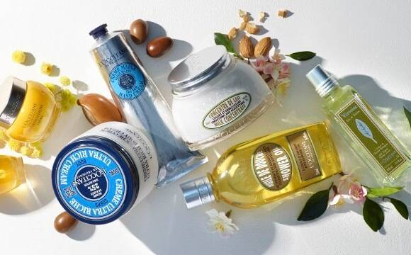 Delight and invigorate your senses with our wide range of body and bath products, including soaps, shower gels, body scrubs, hand creams and many more delights.