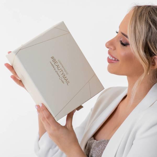 LOOKFANTASTIC #BEAUTYMAIL curated by Helena Coelho Beauty Box (Valor superior a 130€)