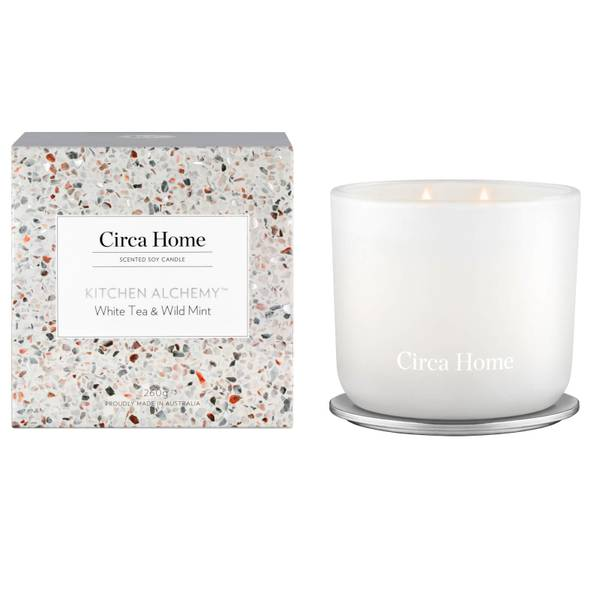 CIRCA Kitchen Alchemy™ White Tea and Wild Mint Classic Candle 260g