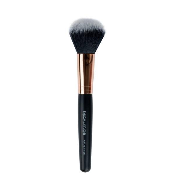 brushworks Blush Brush -poskipunasivellin