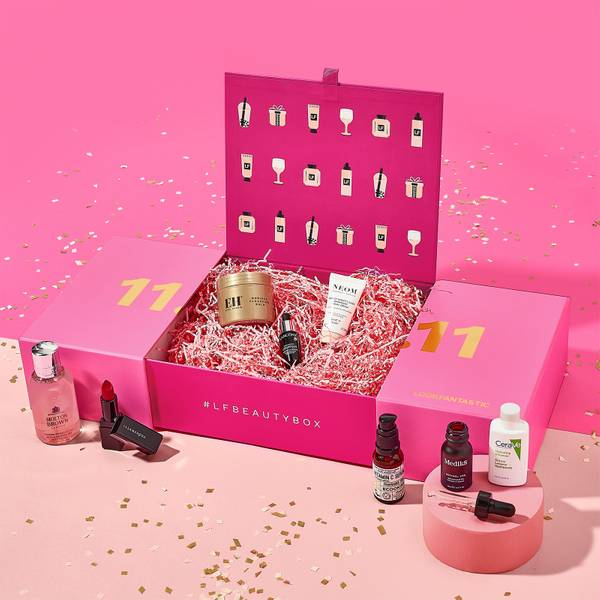 11.11 Singles' Day Limited Edition Box 2021 (worth over S$490)