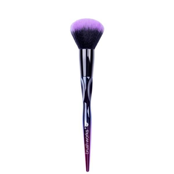 brushworks HD Powder Blush Brush -poskipunasivellin