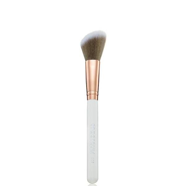 Spectrum Collections MA05 - Angled Cheek Brush