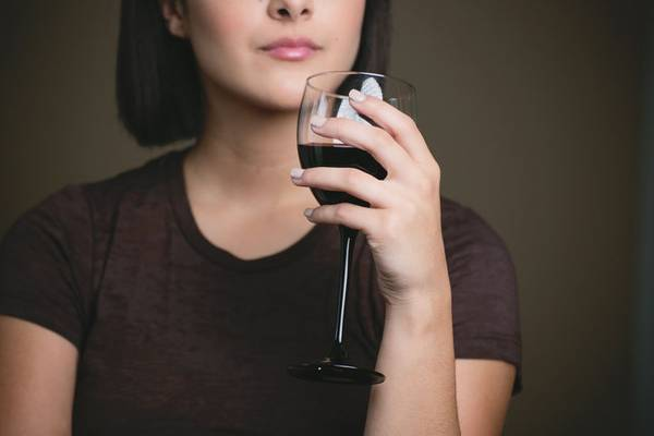 What You Need to Know About Rosacea and Alcohol