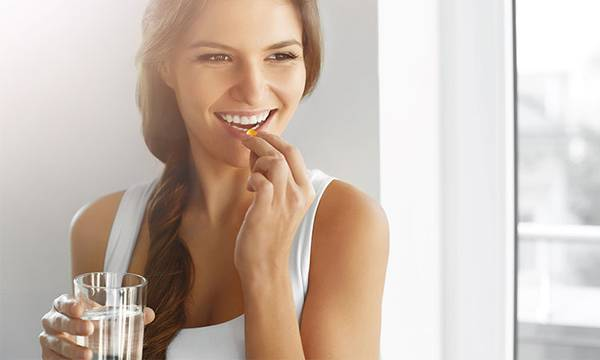 7 Nutrients Anyone With Acne-Prone Skin Should Load Up On