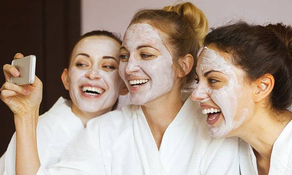 5 Worst Pieces of Advice Your Friends Tell You About Your Skin (And What to Do Instead)