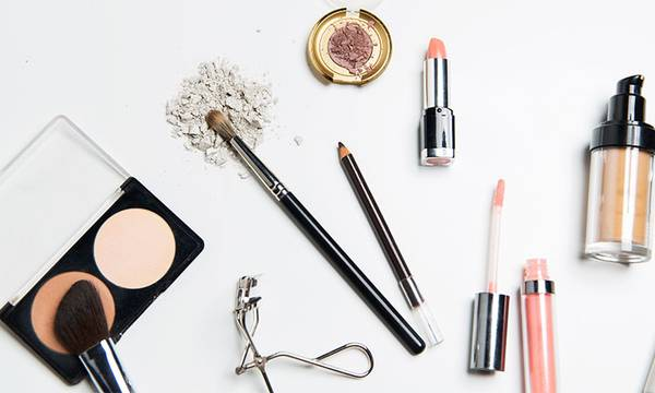 How to Make Your Makeup Last (Especially If You Have Oily Skin)