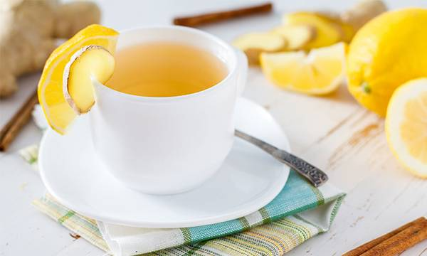 The Unknown Skin Benefits of Tea + The Best Tea-Infused Products We Love