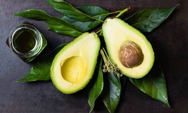 Your Favorite Superfood Just Got Better: Avocado Oil Benefits for Skin & Hair