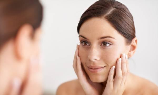How to Prevent Wrinkles: 4 Expert Tips