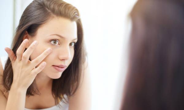 Why Do I Get Swollen Eyes in the Morning? 6 Causes & Treatments