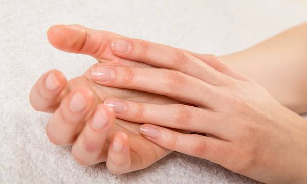 Discolorations, Cracks or Lines on Nails: What Do They Mean?