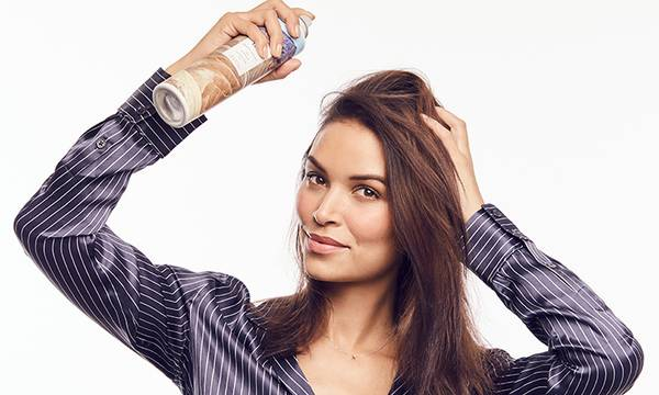 What Is No Poo? Plus, How to Wash Your Hair Without Shampoo!