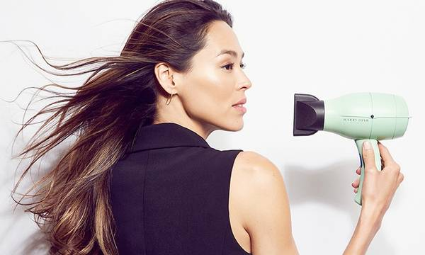 How to Blow-Dry Your Hair According to Your Hair Type