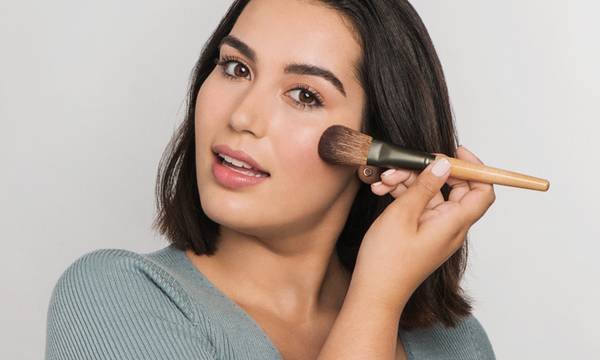 7 Makeup Hacks and Products for Sensitive Skin (According to Pros)
