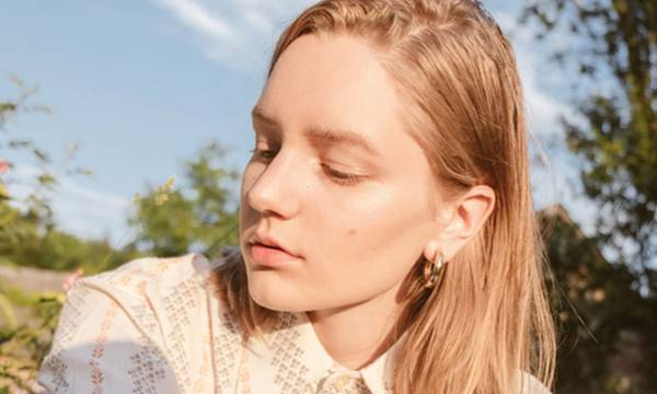 6 Reasons to Add Vitamin E to Your Skin (and Hair) Routine Now