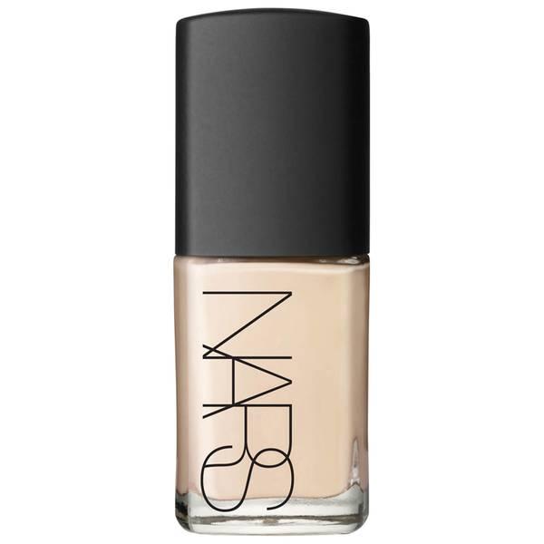 NARS Cosmetics Sheer Glow Foundation (διάφορες αποχρώσεις)