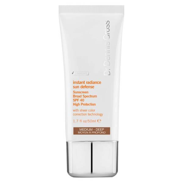 Dr Dennis Gross Skincare Instant Radiance Sun Defense Sunscreen Broad Spectrum SPF 40 – Medium–Deep krem przeciwsłoneczny 50 ml