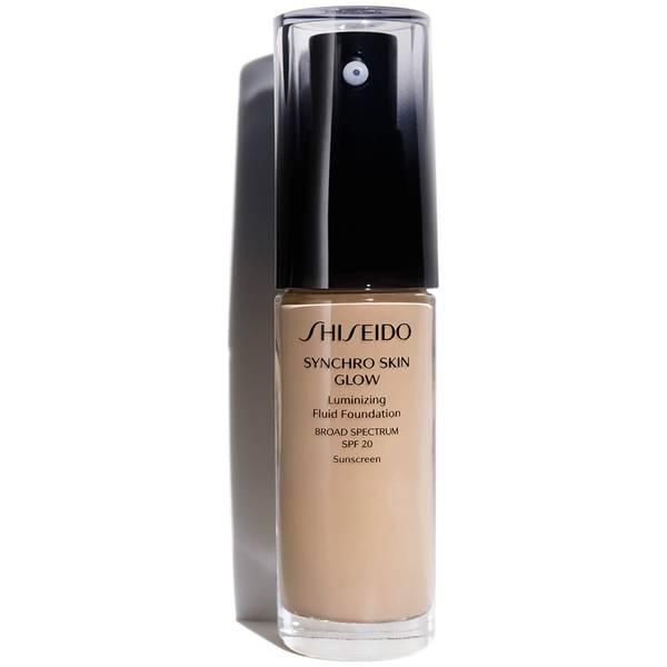 كريم الأساس المضيء Synchro Skin Glow من Shiseido بحجم 30 مل (ظلال متنوعة)