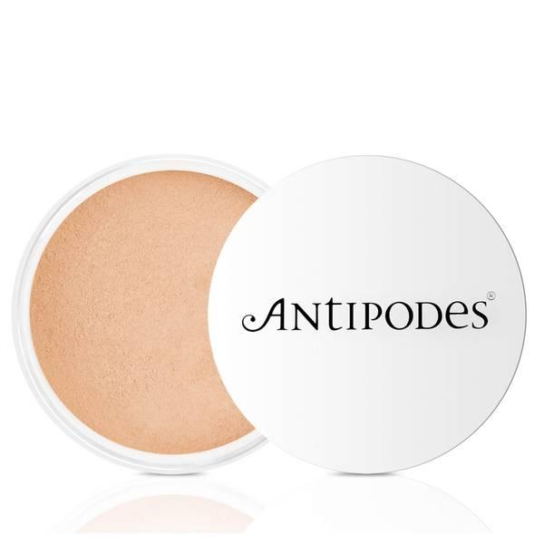 Antipodes Medium Beige 03 Mineral Powder Foundation