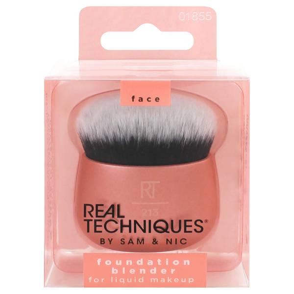 Real Techniques Foundation Blender Brush