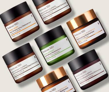 Our anti-aging face and skin moisturizers are formulated to instantly help replenish moisture loss and antioxidant protection, while imparting radiance and glow.