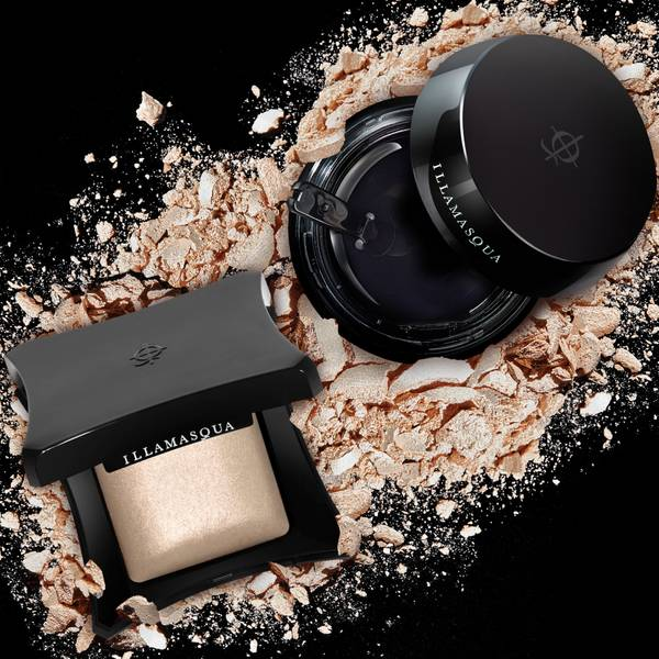 Long-wearing and luxurious, our intelligent formulations have everything you need to perfect, bronze and glow.