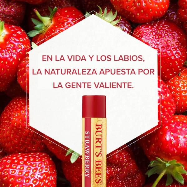 Fresa en la vida y los labios, la naturaleza apuesta por la gente valiente.