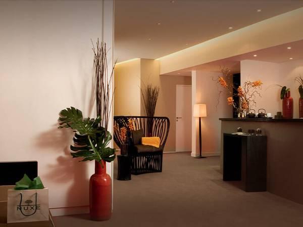 75 - Paris Spa NUXE - Hôtel Square***** 1, rue de Boulainvilliers - 75016 Paris <br>  spanuxe-square@nuxe.com Tél.: 01 46 47 24 30