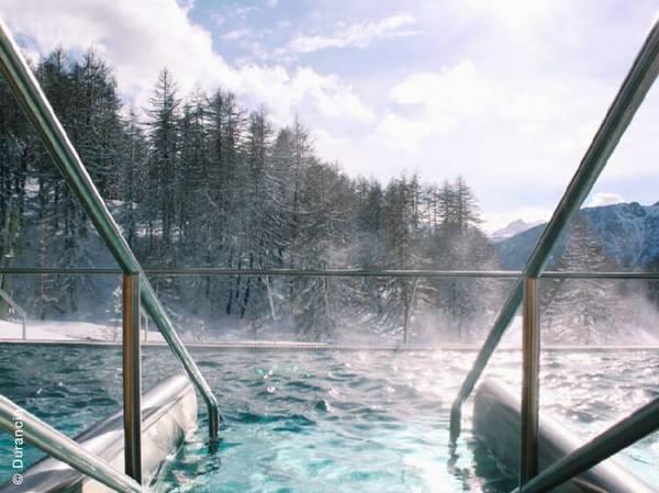 Situé à 1860m d'altitude sur la frontière Italienne, le Spa NUXE Durancia est un havre de paix où vous profiterez des richesses d'une montagne préservée. Inspiré des ambiances thermales d'antan, le Spa est une réelle