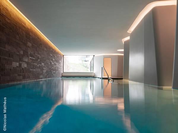 23 rue des Glacières - 67000 Strasbourg<br>  spa@les-haras-hotel.com<br> Tél.: +33 (0)3 90 20 50 15