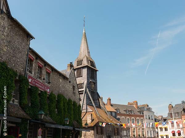 Place Sainte Catherine - 14600 Honfleur Tél.: 02 31 14 49 49