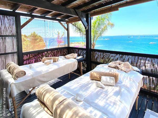 Entre deux plages idylliques de la Costa Brava, face à la baie de Roses, découvrez le premier Spa NUXE d'Espagne : Le Spa NUXE de l'hôtel Vistabella*****.<br><br>  Bénéficiant de deux cabines de soins dont une cabine duo surplombant la mer, d'un bains à remous, d'une piscine intérieure, d'une terrasse avec lit chill-out, cette oasis de bien-être est le lieu idéal pour vous offrir une échappée ensoleillée et hors du temps.<br><br>  Votre carte NUXE, composée de soins incontournables tels que les NUXE Massages®, les soins visages et corps ou encore les Escapades, ainsi que de soins personnalisés, saura combler toutes les envies.<br>