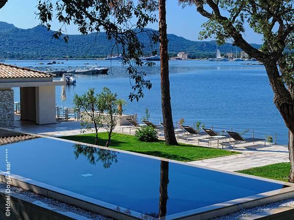 Rue Commandant Quilici - 20137 Porto-Vecchio<br>  info@hoteldoncesar.com<br> Tél.: 04 95 76 09 09