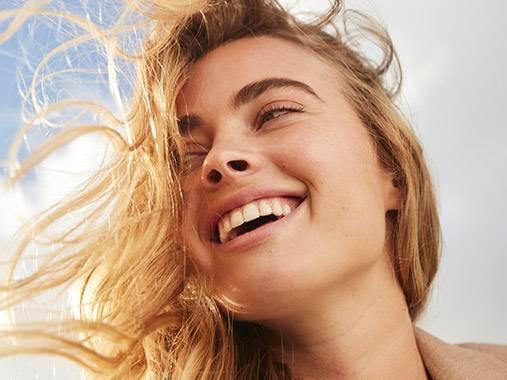 Routine visage +40 ans. Du nettoyant à la crème de nuit, découvrez les produits correspondants à votre besoin.