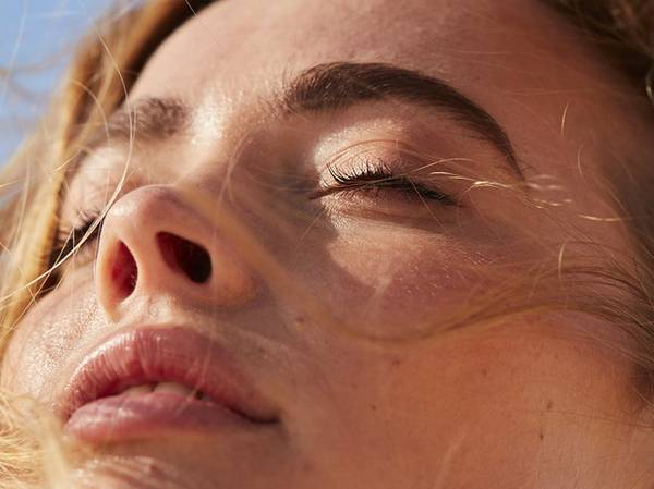 COMBINATION Oily-prone skin along the T zone