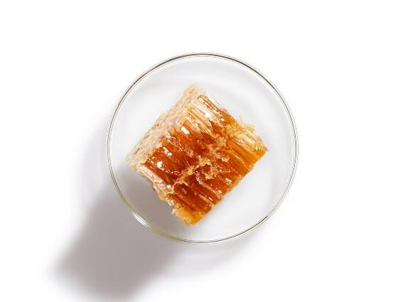 Honey. A real marvel for dry skin. Find out more