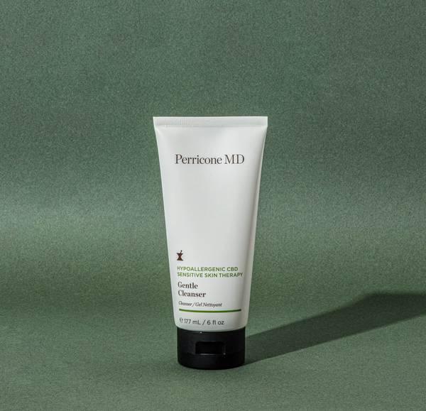 Hypoallergenic CBD Gentle Cleanser per pelle sensibile