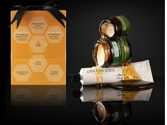 Profitez d'une remise de 25% et des bienfaits du miel de manuka naturel de Nouvelle-Zélande, grâce à cette collection de trois produits illuminateurs de teint indispensables.