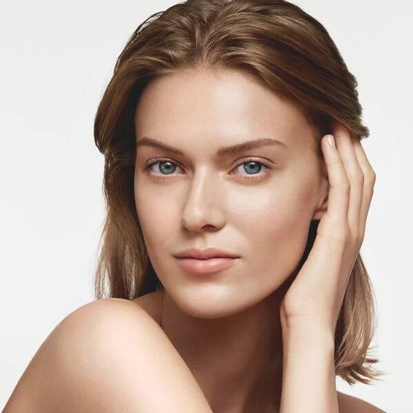 Hitta din ansiktsrengöring, ampull / serum, ansiktskräm, ögonkräm och mask för trött hud.
