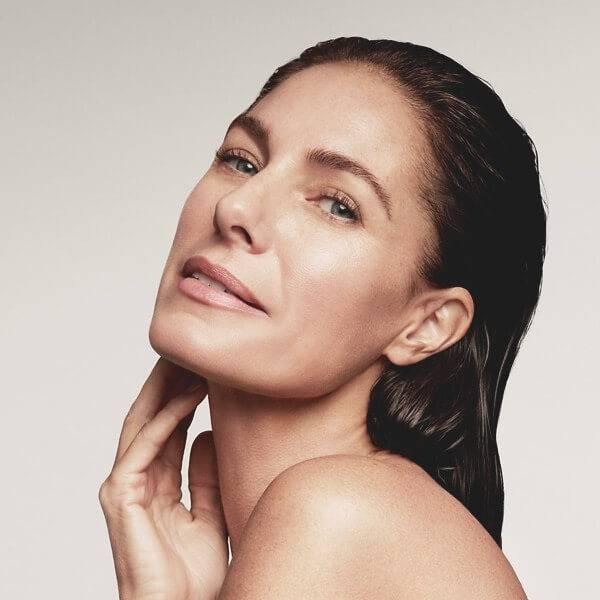 Hitta din ansiktsrengöring, ampull / serum, ansiktskräm, ögonkräm och mask till din hudvårdsrutin för mogen hud.