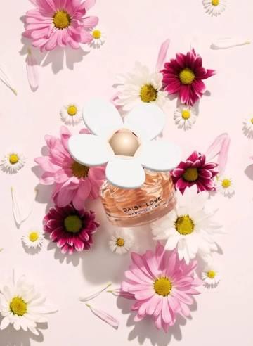 Graduation fragrance gifting